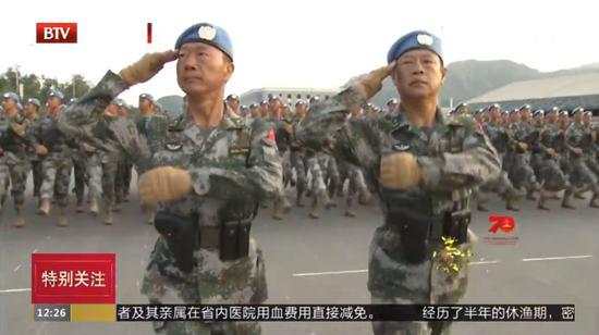徐有泽少将(左)与马宝川少将