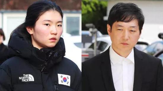 韩国短道速滑运动员沈锡希(左)控诉教练(右)性侵