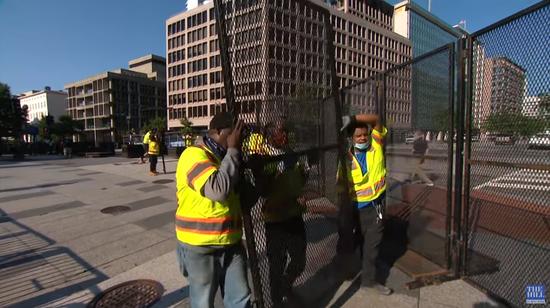 白宫安保大幅升级 水泥墩可以防范车辆的撞击