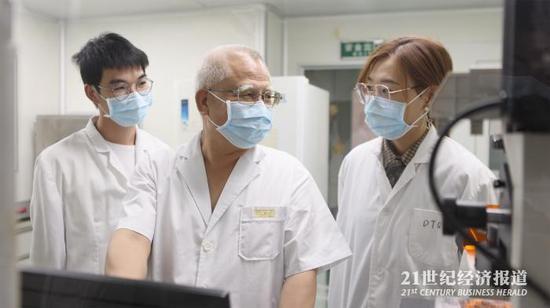 图:陈瑶生及他的团队致力于解决种猪国产化问题 受访对象供图 下同