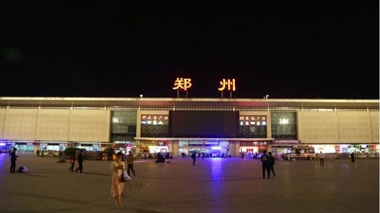郑州火车站 (图片来源:摄图网)