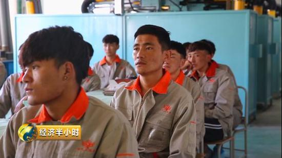 黑龙江技师学院:没毕业就找上门签就业合同,一毕业年薪突破20几万!