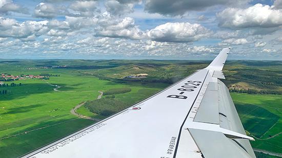 ARJ21飞机首次执飞天骄航空航班(中国商飞官网)