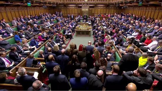 """3月27日,英国议会下院投票表决,正式确认推迟原定于3月29日的""""脱欧""""。新华社/路透"""