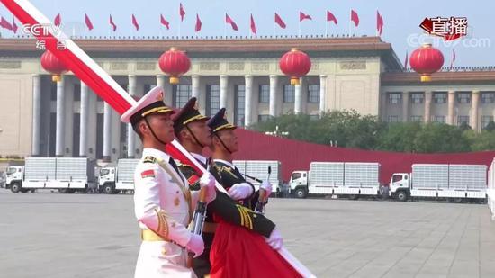 驻塞内加尔大使在塞第一大报发文介绍香港局势