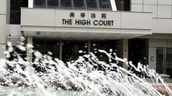 """""""修例风波""""致不少香港家庭撕裂亲子关系现裂痕"""