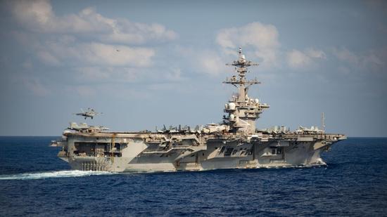 """3月26日出现在菲律宾海域的""""罗斯福""""号航母"""