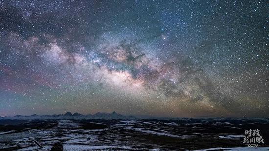 △7月24日,四川甘孜,贡嘎雪山星空银河。