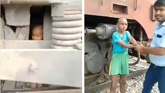 印度2岁男童被哥哥推到行驶的火车面前竟奇迹幸存
