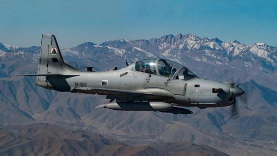 美媒:阿富汗空军正陷入崩溃 三分之一战机已趴窝