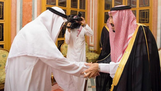 沙特国王接见遇害记者家人 表示将对涉案人员予以追究