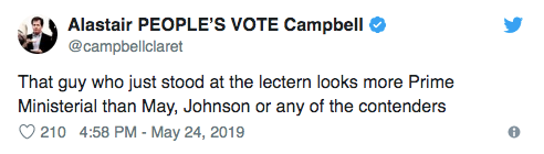 讲台男看起来比特蕾莎梅更像首相啊,比起鲍里斯和其他候选人更是不用说了。