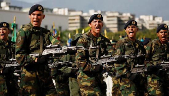 委内瑞拉总统马杜罗宣布将举行大规模军事演习。(图源:路透社)