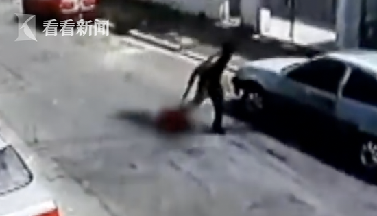 终极这名劫匪重伤身亡,整首事件还在进一步调查中。