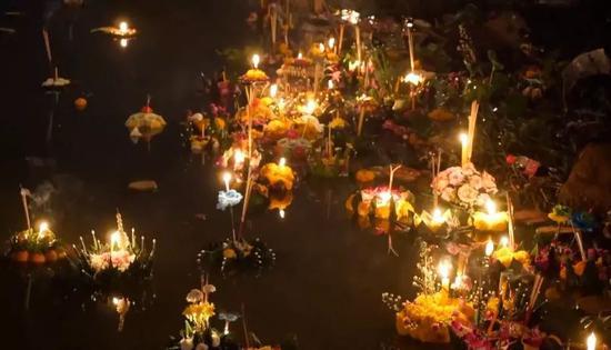 """赏花灯是中国特色?除了元宵节还有这些节日也和""""灯""""有关"""