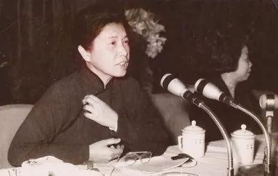 外交部新闻司首位女司长 曾是朱德彭德怀直接下属