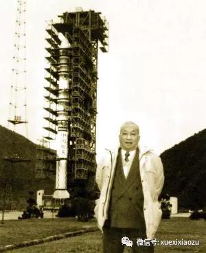 2000年,梁思礼在长征3号甲发射卫星前