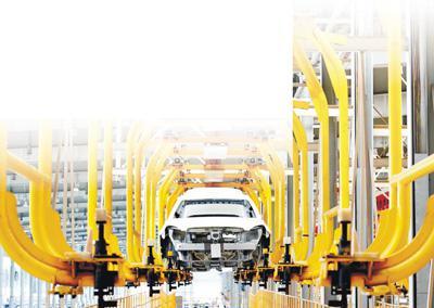 河北沧州,一家新能源汽车公司的生产线。 新华社记者 杨世尧摄