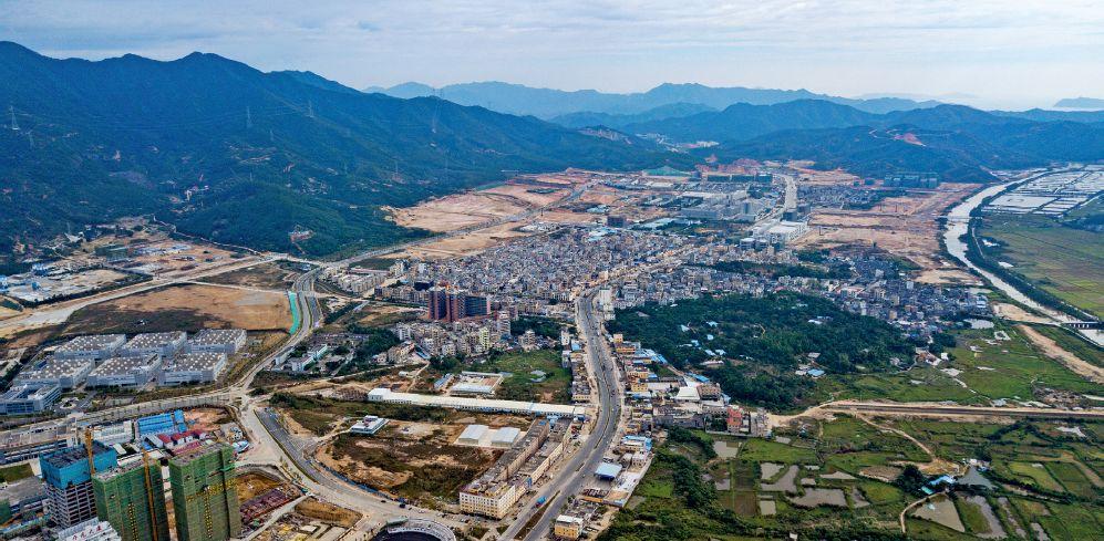 建设中的深汕特别合作区。图/新华