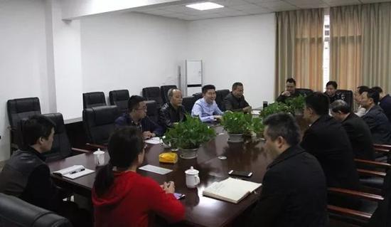 杉木树煤矿10月31日召挖掘煤体系生产做事会