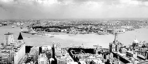 浦东开发盛开前的陆家嘴地区全景(1989年9月摄)