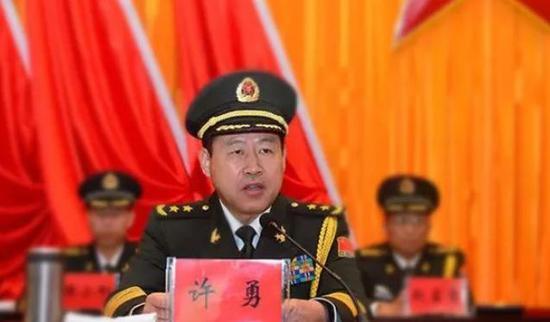 西藏军区司令员调离后 这位新晋中将座次不一般