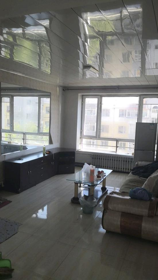 新家的客厅