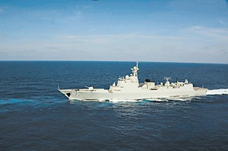 南海舰队远海训练编队在钓鱼岛附近海域巡航。(图源:新华社)