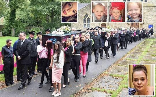學校里的朋友、消防員和家人都沉浸在悲痛之中,他們把孩子們的棺材抬出教堂,然后一起埋葬。