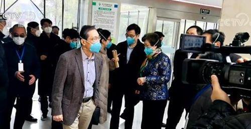 2020年1月19日,钟南山赶赴武汉金银潭医院了解病人收治情况。图源:央视新闻
