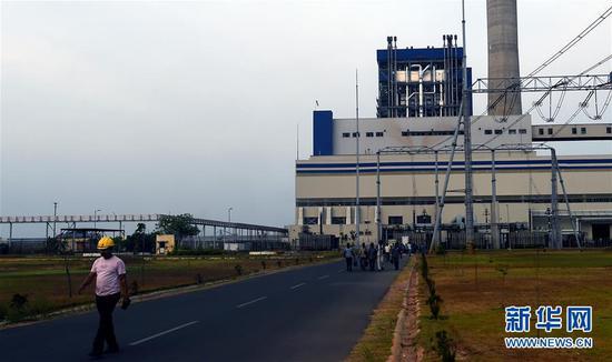 这是2018年5月31日在印度泰米尔纳德邦拍摄的古德洛尔燃煤电站。古德洛尔燃煤电站机组是中国山东电力建设第三工程公司完成的一个项目。 新华社记者张迺杰摄