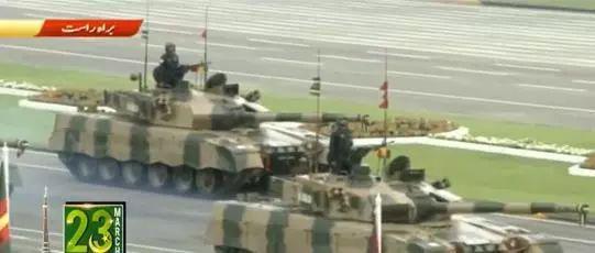 ▲巴基斯坦陆军坦克方队