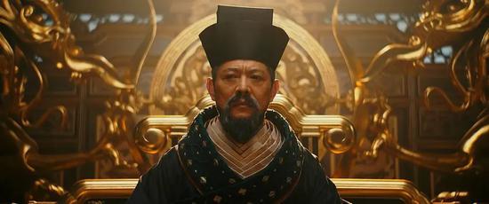 网友评论:李连杰饰演的皇帝,造型太恶心了