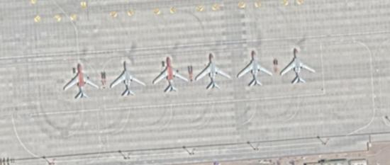 部署在昌都邦达机场的轰-6 图源:社交媒体