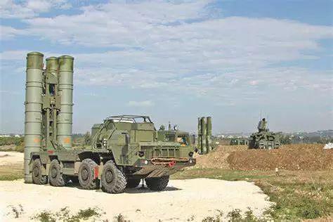 ▲资料图片:驻叙俄军部署的S-400远程防空系统