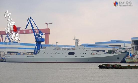 完善下水的第七艘071综相符登陆舰浩汉防务论坛炎忱网友@天下步武 拍摄