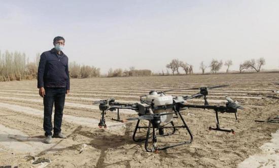 西南政法为新疆棉辟谣:大量机械化已致人工采棉岗位稀缺抢手