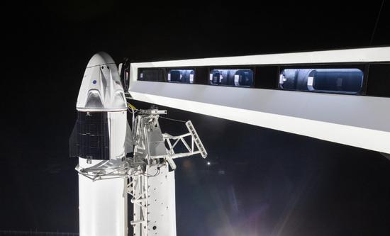 外媒:SpaceX将在两年内送乘客上太空_意大利新闻_首页 - 意大利中文网