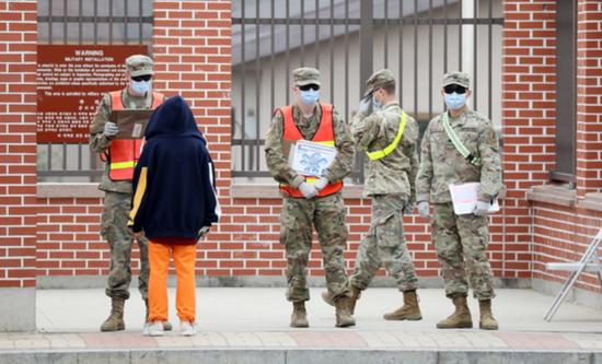 佩戴口罩的驻韩美军士兵(News1)
