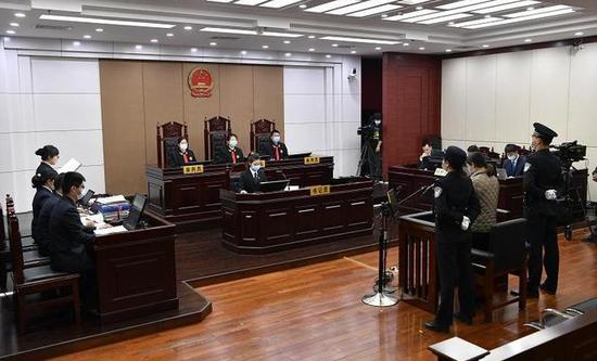 劳荣枝案开庭审理,称遭法子英胁迫,没有故意杀人