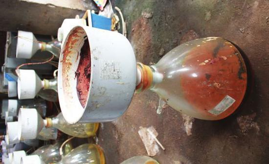 生產麻黃素漏斗和抽濾瓶