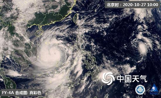 """今天上午,""""莫拉菲""""的云系已遮盖南海大部海域。(图源:国家卫星气象中央)"""
