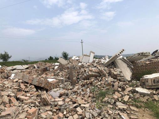 穆家坡村被陈鸿志强拆的民房。(图:澎湃新闻)