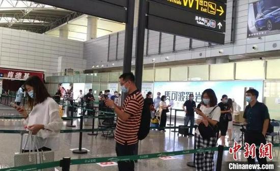 Guangzhou Baiyun Airport.All inbound flights from Fujian to Guangzhou are included in key control. Photo by Lin Yican