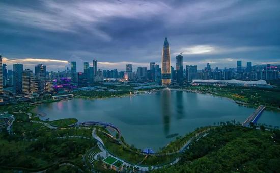 从人才公园看华润深圳湾  图片来源于:朱罗纪