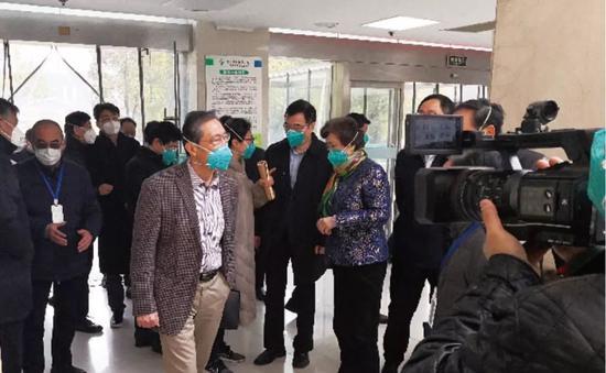 ·2020年1月19日,钟南山到武汉金银潭医院和武汉疾控中心了解情况。