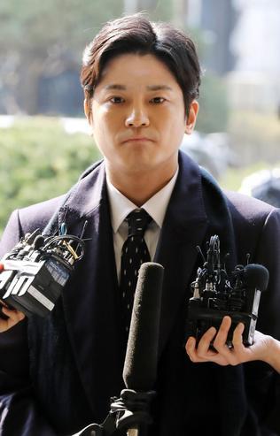 3月19日,被警察起诉损害名誉的金尚教,接受媒体采访。