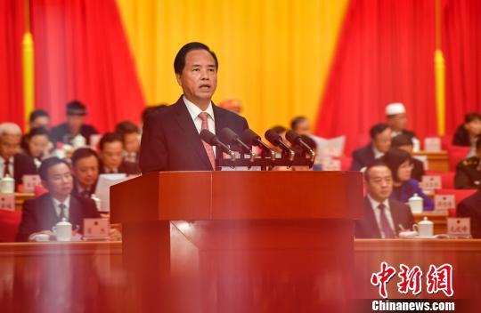 海南省委书记、省人大常委会主任刘赐贵讲话。 骆云飞 摄