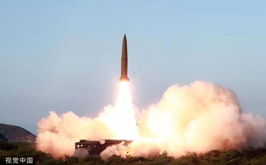 ▲据朝中社7月26日报道,朝鲜最高领导人金正恩25日组织和指导新型战术制导武器示威射击。