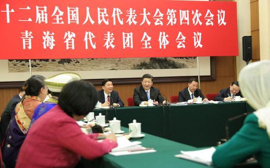 2016年3月10日,习近平参加十二届全国人大四次会议青海代表团审议。